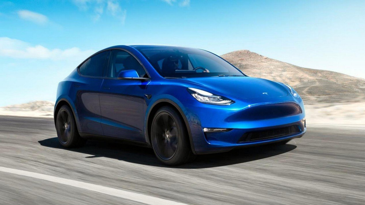 Tesla Model Y Long Range AWD: Фотография 0