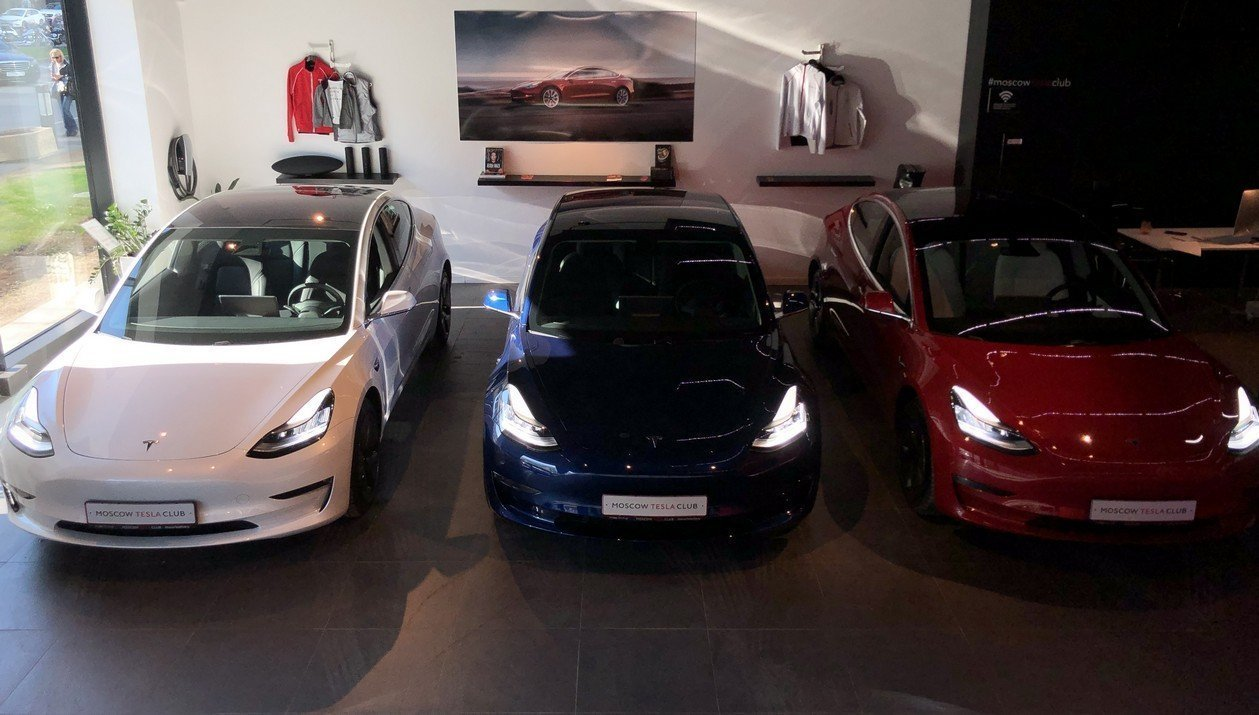 Tesla Model 3 Standart Range Plus RWD: Фотография 16