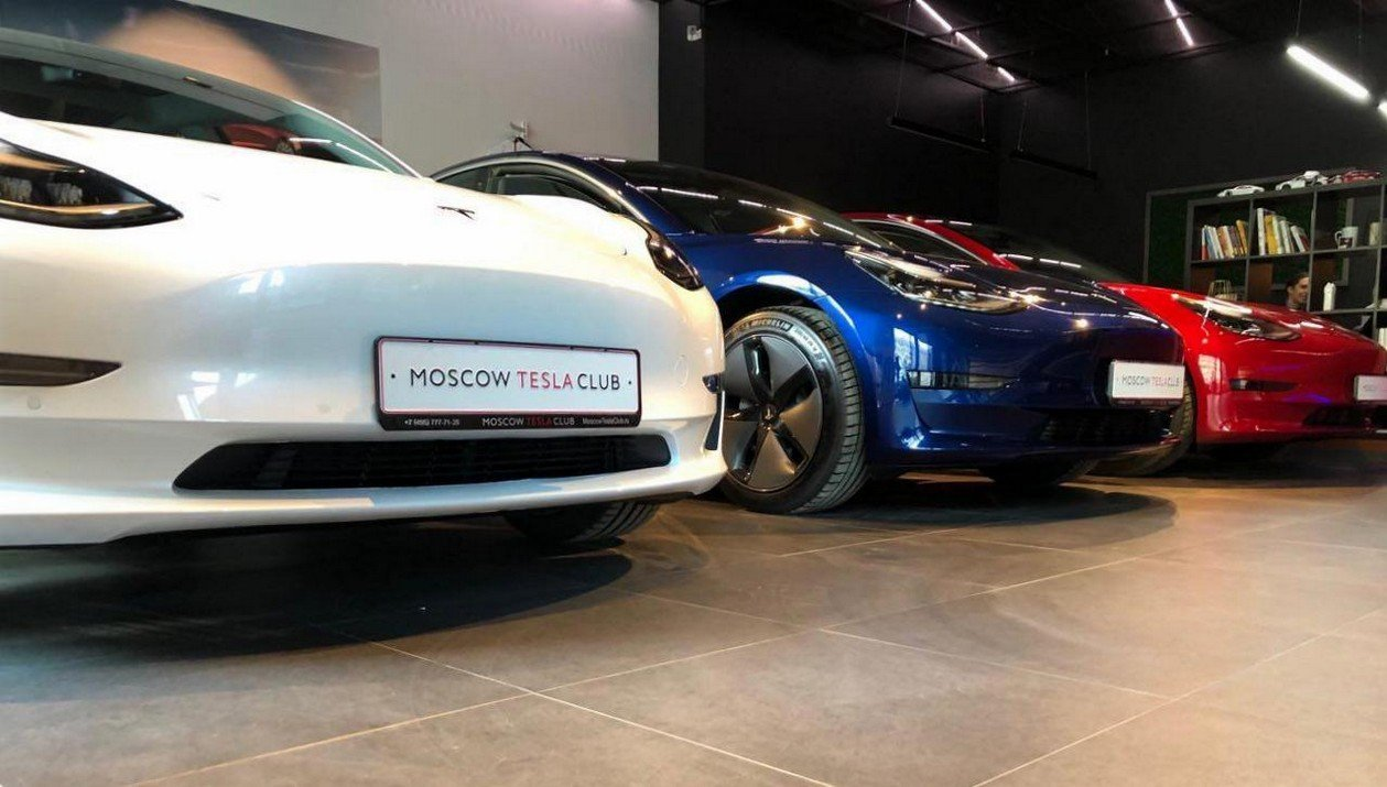 Tesla Model 3 Standart Range Plus RWD: Фотография 17