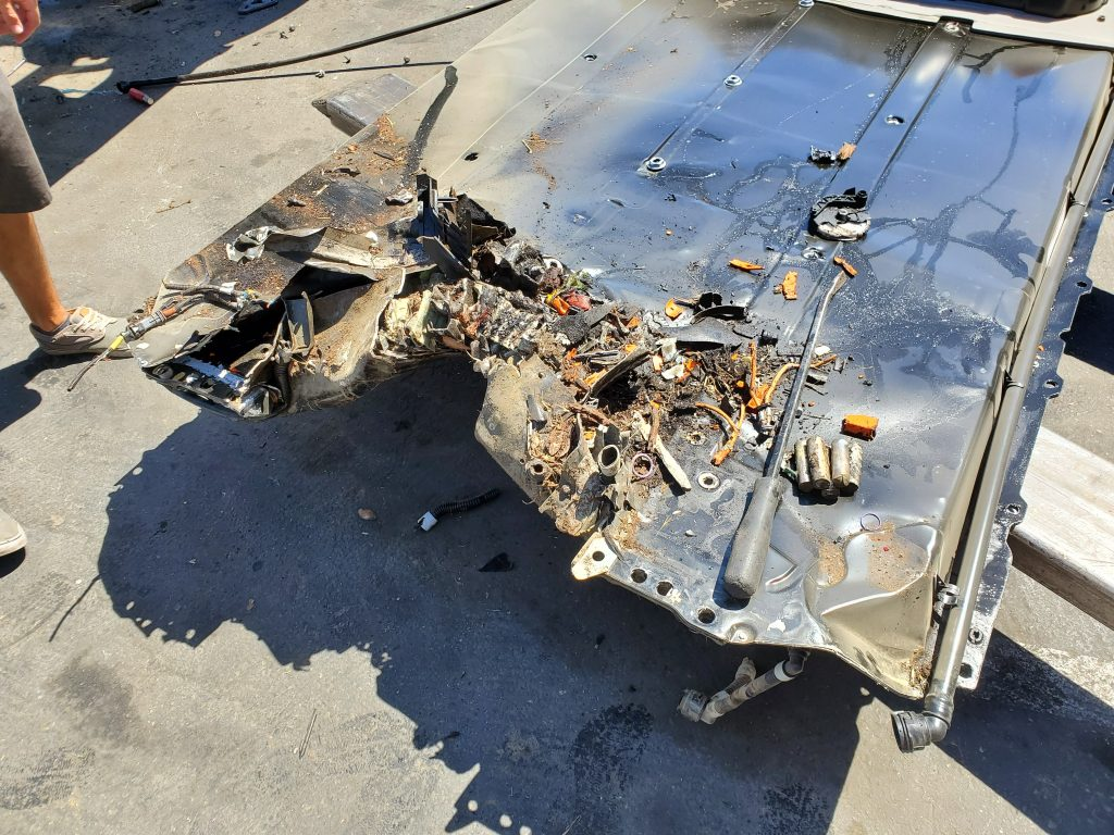 tesla-model-3-battery-pack-after-crash-1024x768.jpg