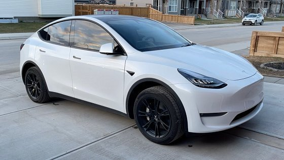 Видео Turning Tesla Model Y Wheels Black